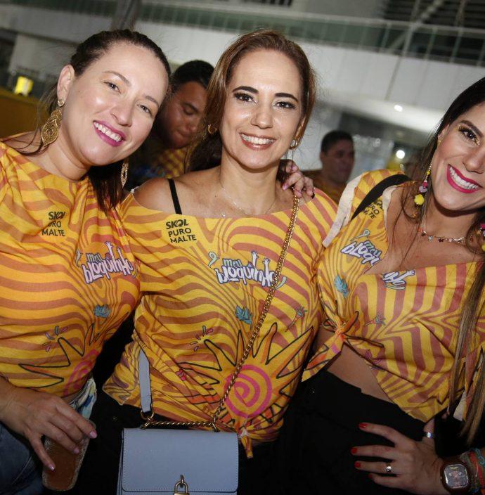 Katia Ribeiro, Suzi Ferrer E Nayara Gusmao