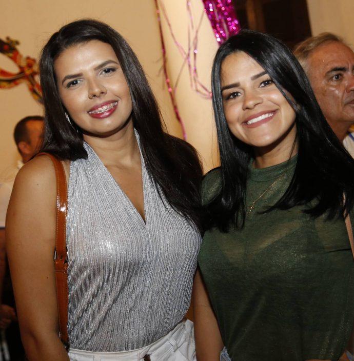 Luana Queiroz E Leilane Castro