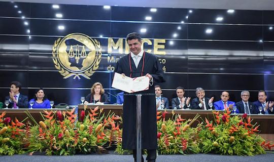 Manuel Pinheiro empossado como novo procurador Geral de Justiça