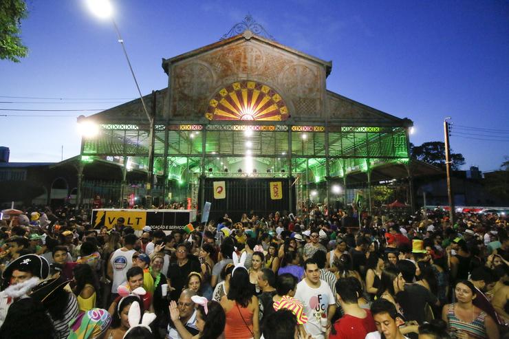 Prefeitura de Fortaleza divulga a programação completa da temporada de pré-Carnaval. Vem ver!