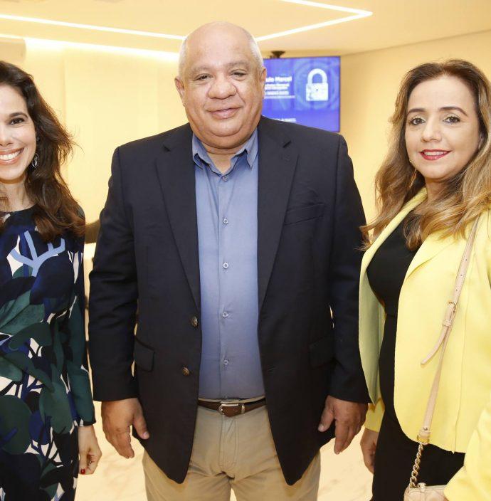 Mirella Tomas, Pedro Alfredo E Eveline Teixeira