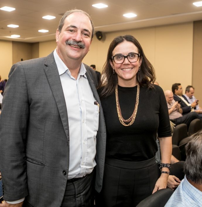 Paulo Andre Holanda e Veridiana Soares