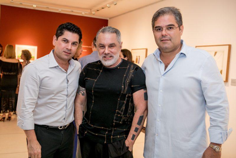 """Artes Visuais - Max Perlingeiro apresenta a preview da exposição """"Leonilson por Antônio Dias – Perfil de uma Coleção"""", na Multiarte"""