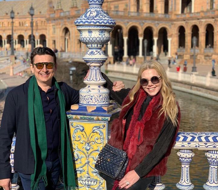 Em total sintonia, Racine e Branca Mourão aproveitam os primeiros dias do ano pela Europa
