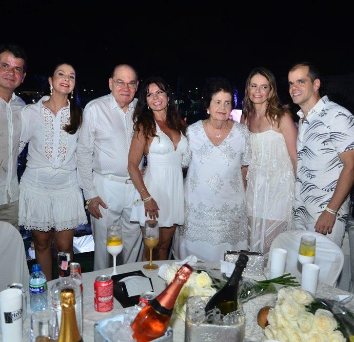Roberte e Fernanda Bezerra, Gil Bezerra, Claudia Bezerra, Elisa Bezerra, Elise e Daniel Magalhães