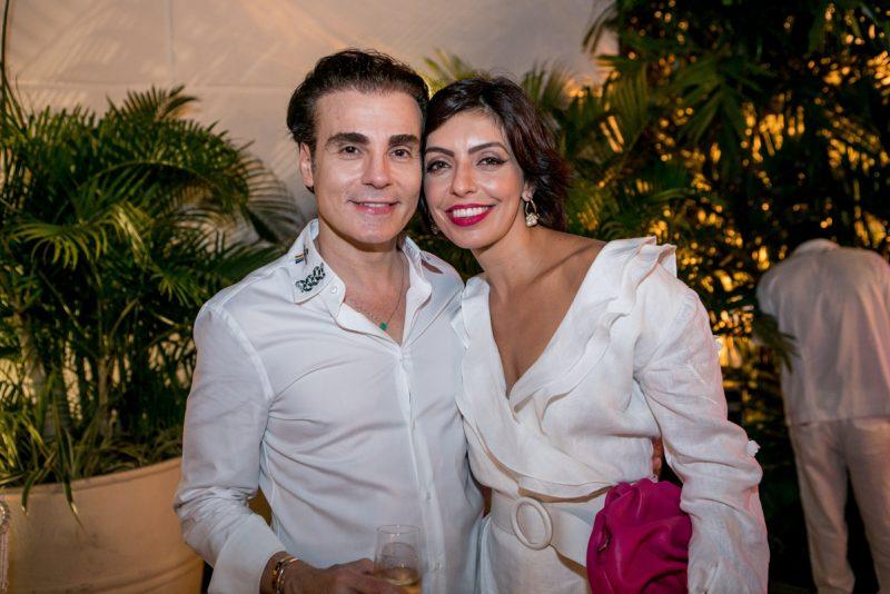 Em dose dupla - Alto astral, descontração e muita alegria marcam a sessão parabéns de Branca e Racine Mourão