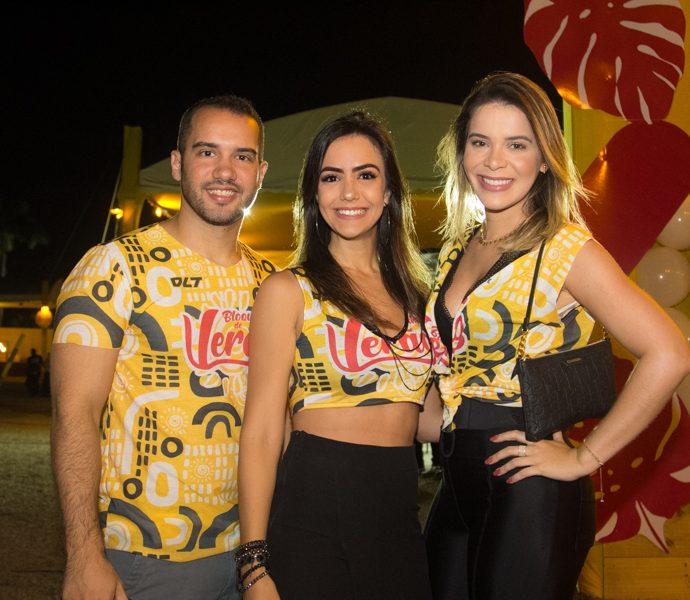 Ronaldo Guedes, Rafaela Rios E Carol Sampaio
