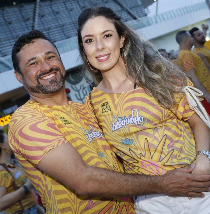 Sandro Alencar E Caroline Bastos