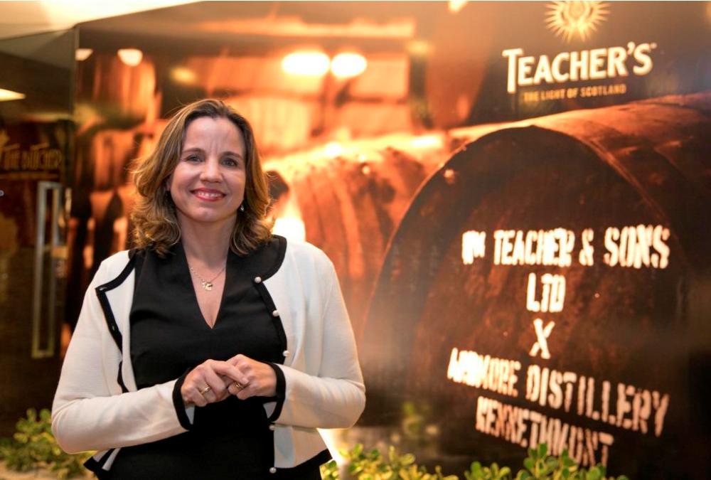 Sylvia Sarubbi Costa pilota evento especial com o Teacher's em Fortaleza