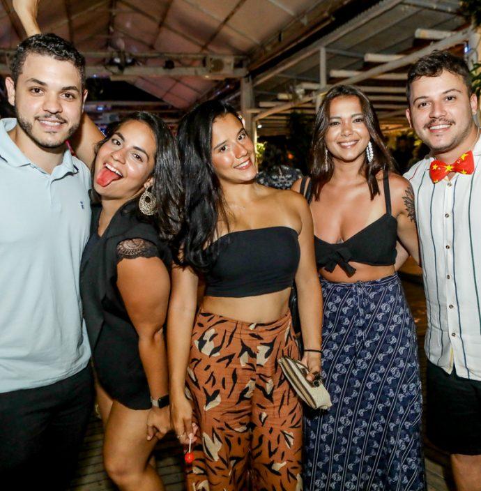Victor Teles, Carolina Pamplona, Leticia Reis, Beatriz Melo E Leo Novais