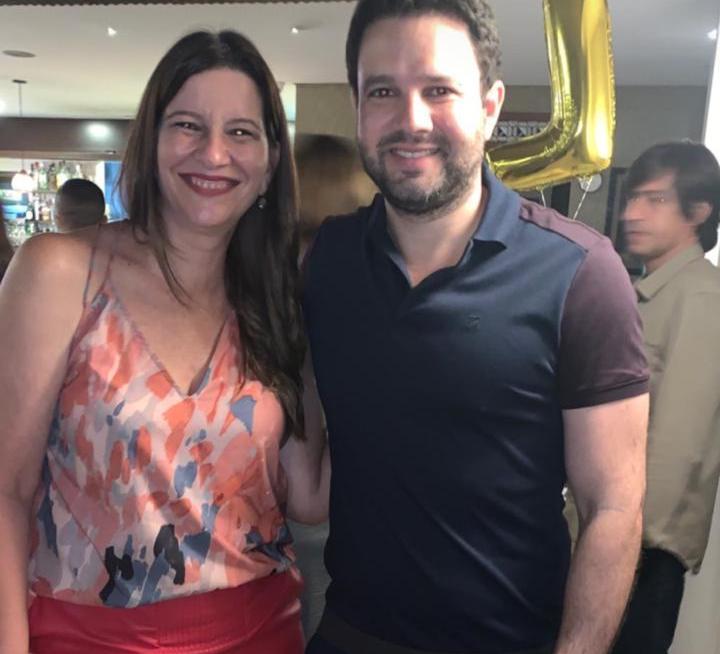 Lia Ferreira Gomes celebra a nova idade na Cantina Di Napoli