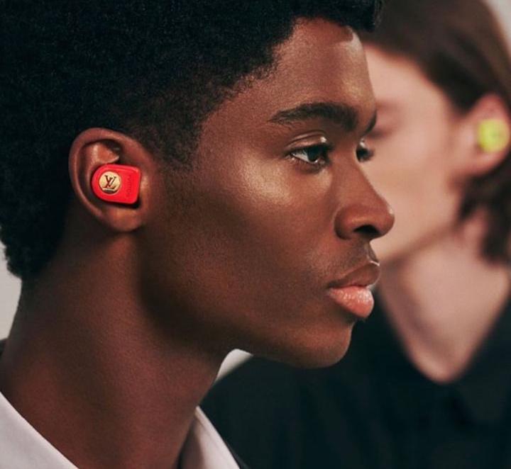 Louis Vuitton lança novas cores e funcionalidades dos Horizon Earphones