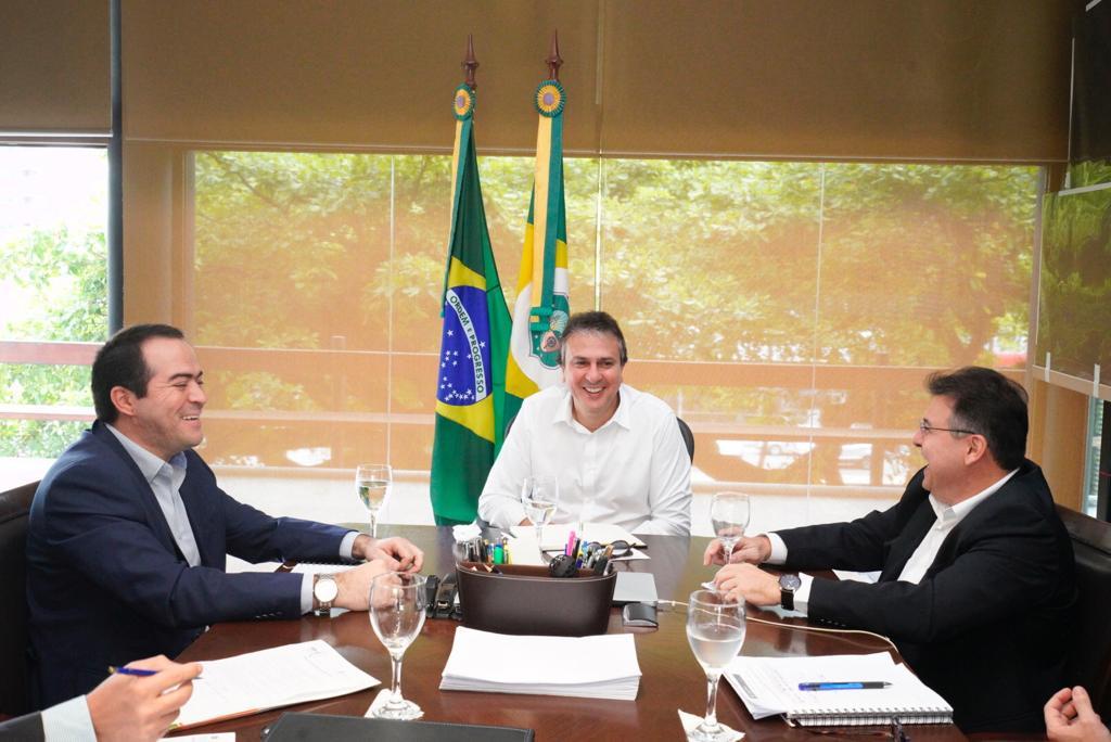 Camilo Santana recebe dirigentes do Ceará e do Fortaleza no Palácio da Abolição. O motivo?