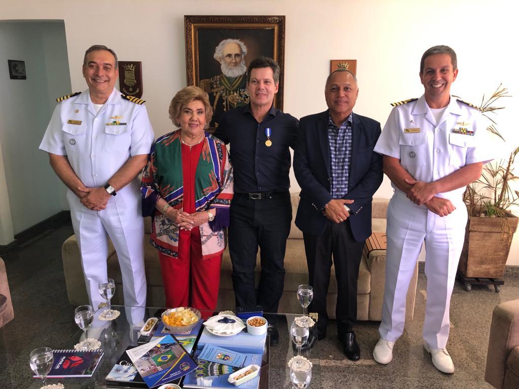 Cláudio Dias Branco é agraciado com a Medalha Amigos da Marinha