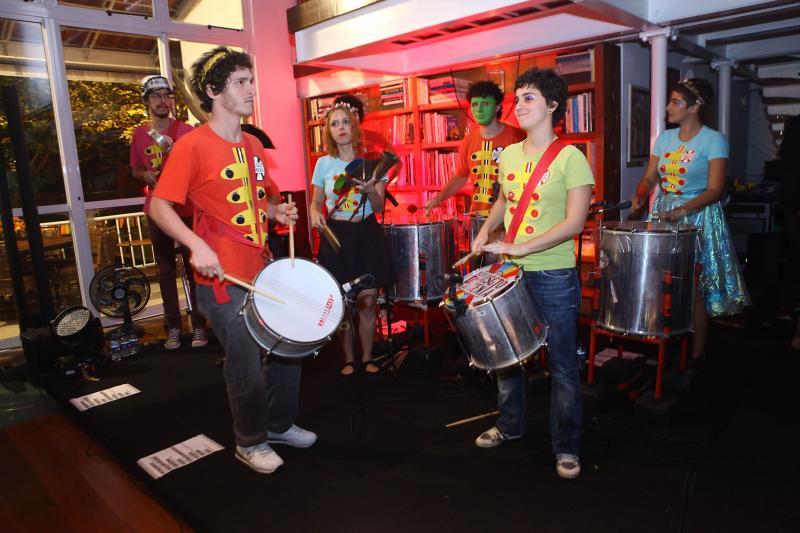 Bloco do Sargento Pimenta é um dos destaques desta segunda no Carnaval de rua no Rio de Janeiro