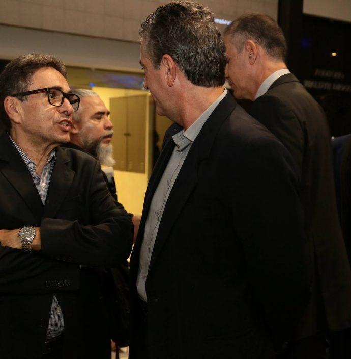 Airton Goncalves E Ricardo Sales
