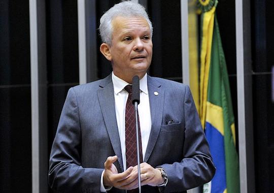 André Figueiredo e Domingos Neto garantem R$ 47 milhões para projetos de inovação no Ceará