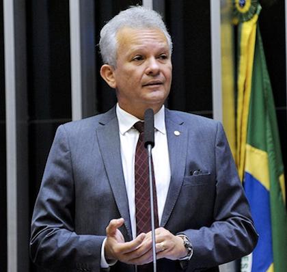Comissão aprova relatório de André Figueiredo a projeto que evita indicações de interesse político em organizações internacionais