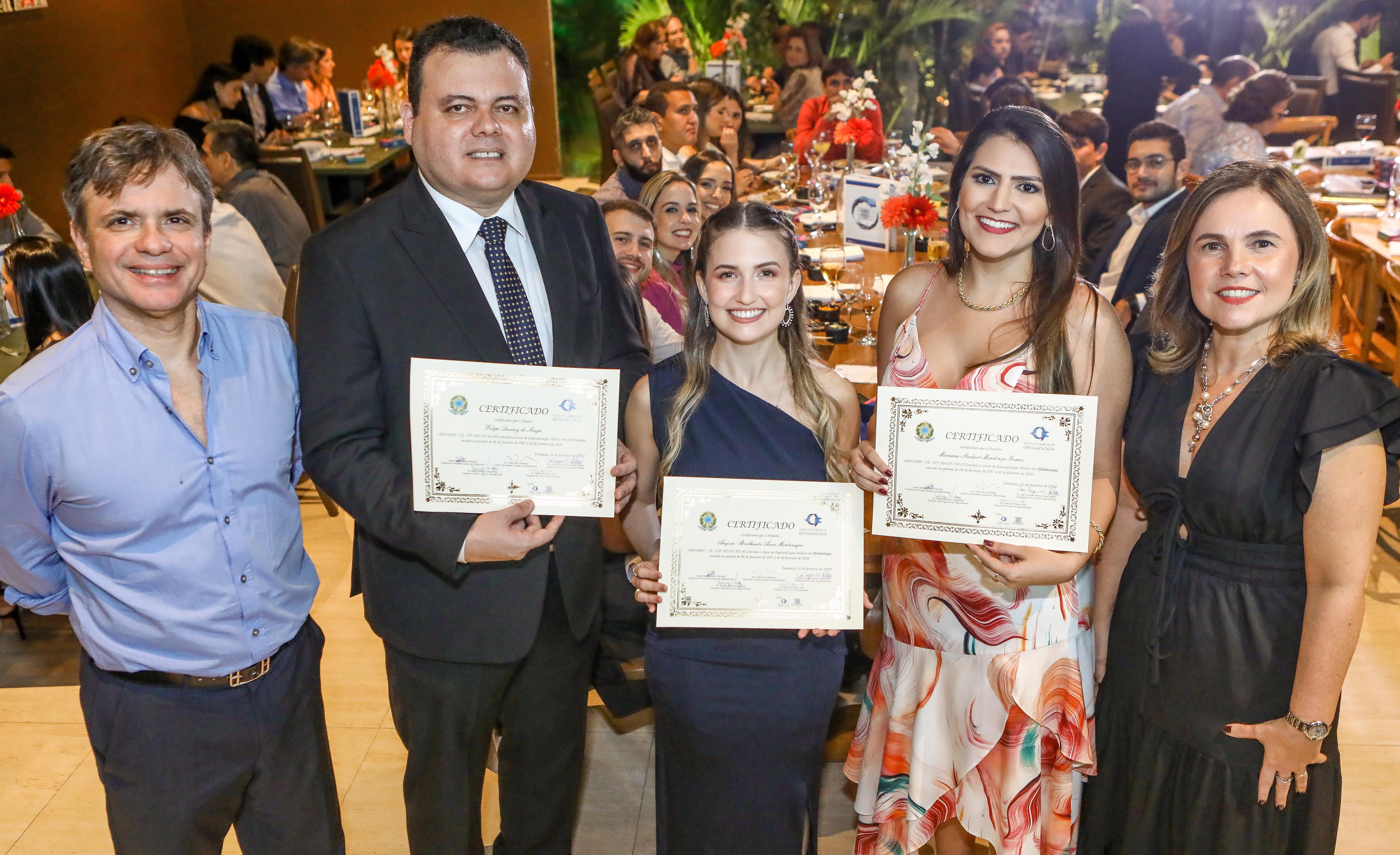 Instituto Cearense de Oftalmologia forma primeira turma de Especialização Médica