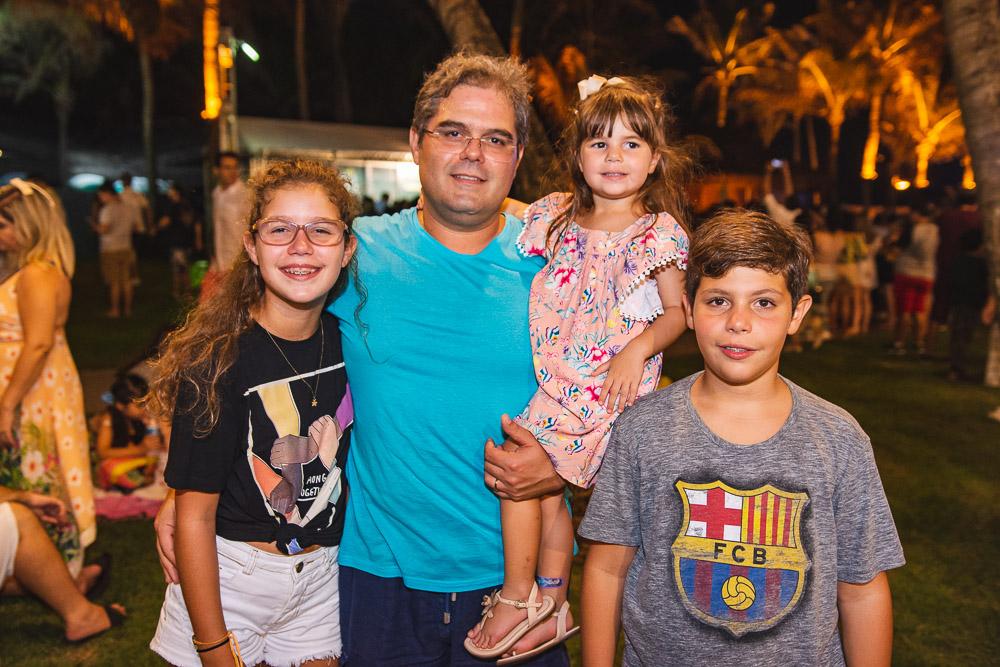 Banda Melim abre a temporada de shows do Projeto Som do Mar, no Beach park