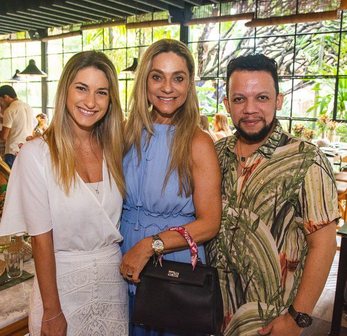 Bruna Magalhaes, Celia Magalhaes E Roberto Alves