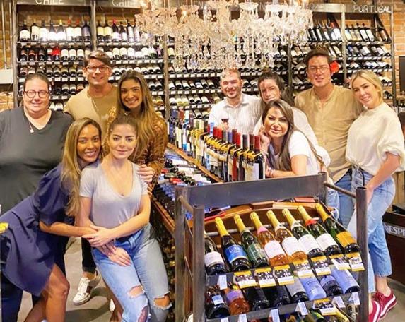 Brava Wine recebe uma turma das boas para curso de introdução ao mundo dos vinhos