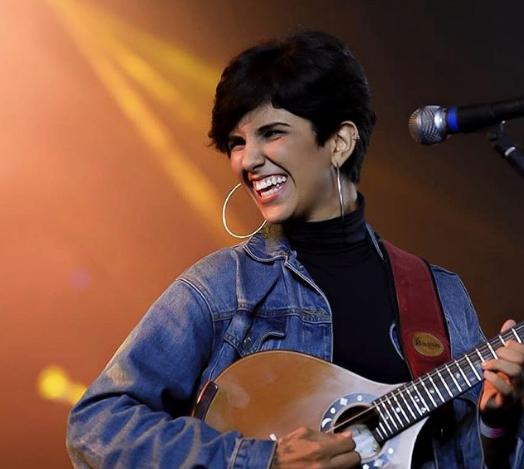 """Rayane Fortes acaba de lançar mais uma música autoral. Ouça agora """"Pra te acompanhar"""""""