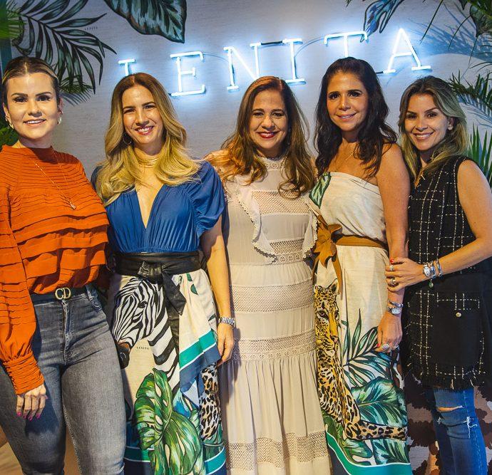 Carine Moreira, Karmilse Marinho, Martinha Assuncao, Maria Lucia Negrao E Roberta Quaranta