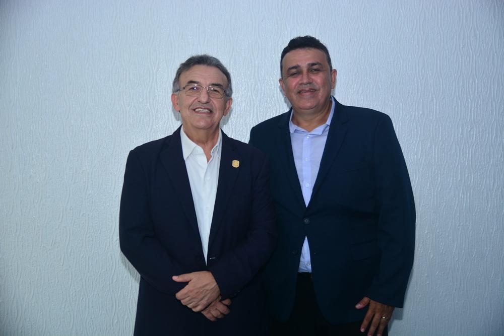 Fernando Carlos Teixeira assume o comando da Associação Cearense da Indústria de Panificação