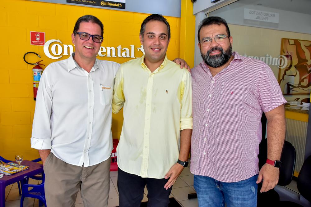 Bruno Bastos recebe convidados especiais para a inauguração da nova Bruno Bastos Pneus