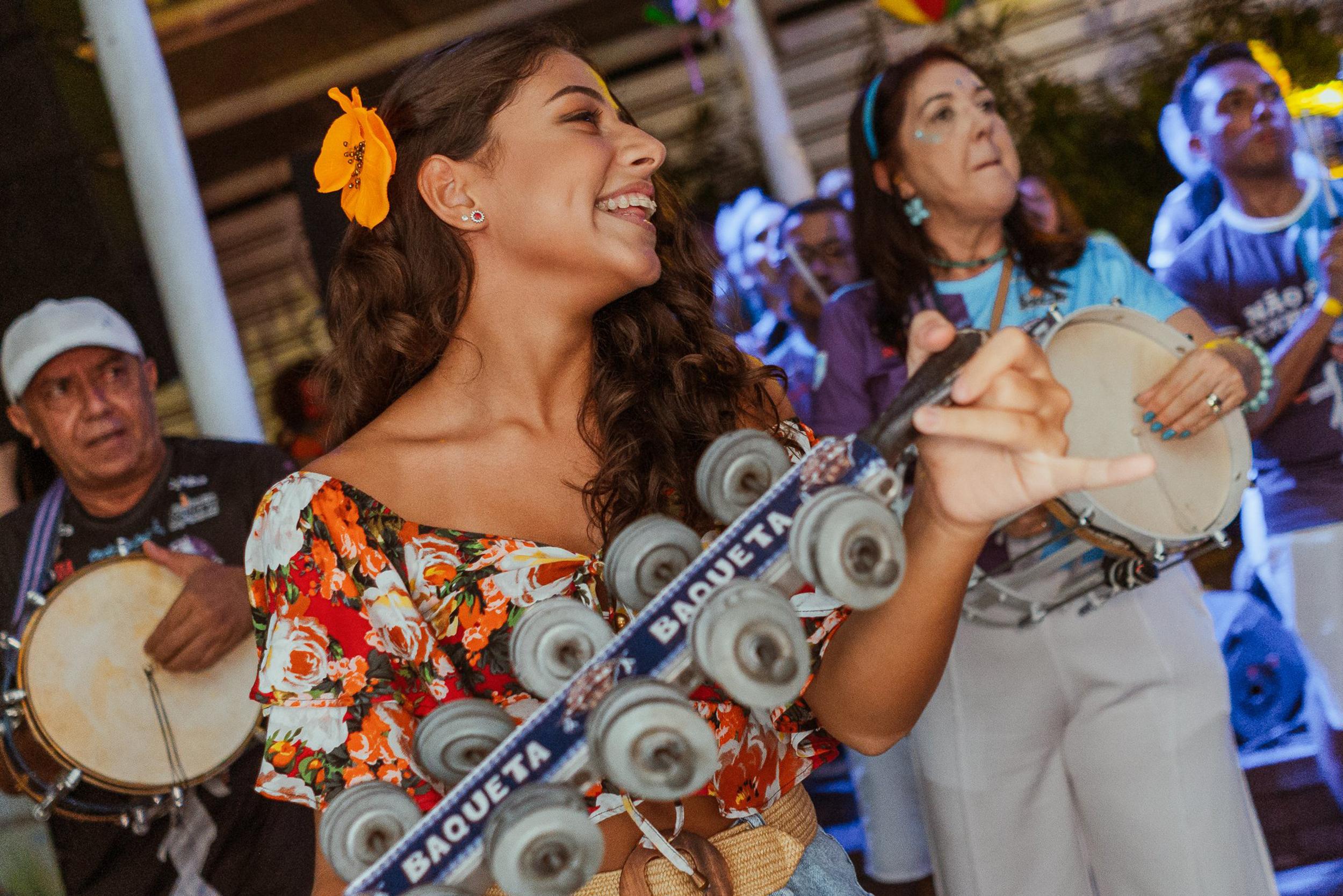 Vai ficar por Fortaleza? Confira onde curtir a folia de Carnaval!