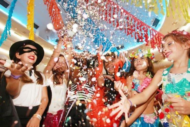 A folia de Carnaval vai invadir o Iguatemi Fortaleza durante o fim de semana