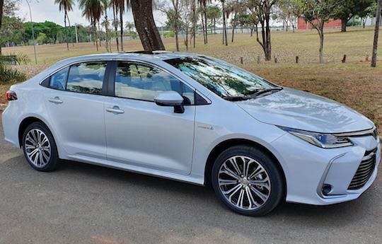 Toyota lidera as vendas de carros elétricos/híbridos em janeiro