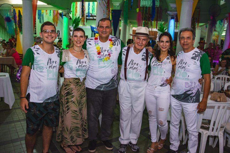 Em ritmo de folia - Tradicional Carnaval da Saudade reúne a sociedade no Náutico Atlético Cearense