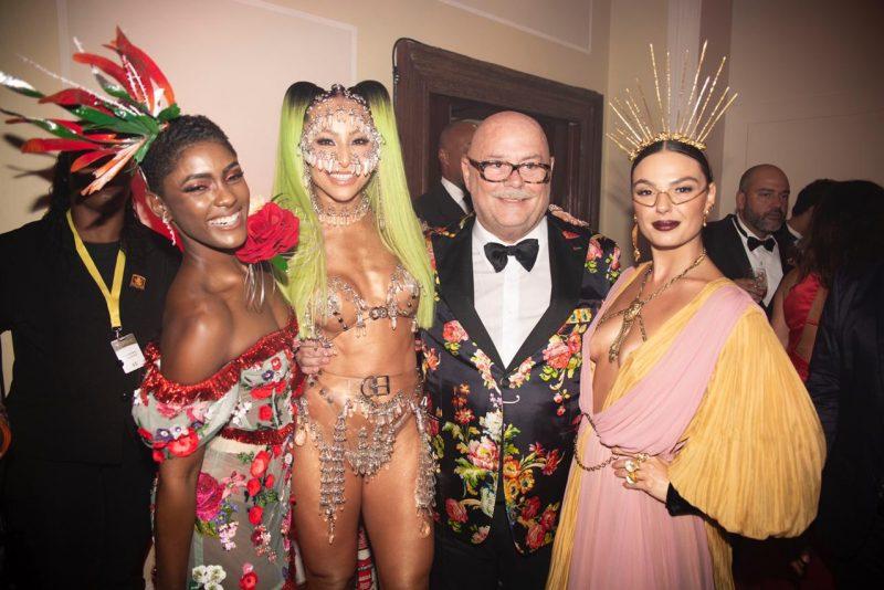 Glittering night - Shows surpresas, alegria e muito alto astral marcam a 16ª edição do Baile da Vogue