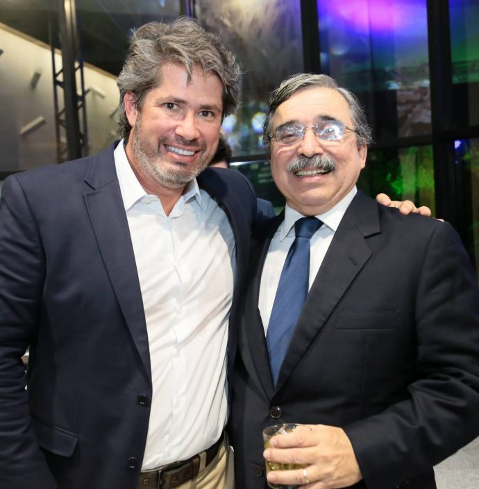 Fernando Rodrigues E Roberto Sergio