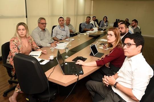 Comissão da FIEC analisa pontos da proposta de reforma tributária