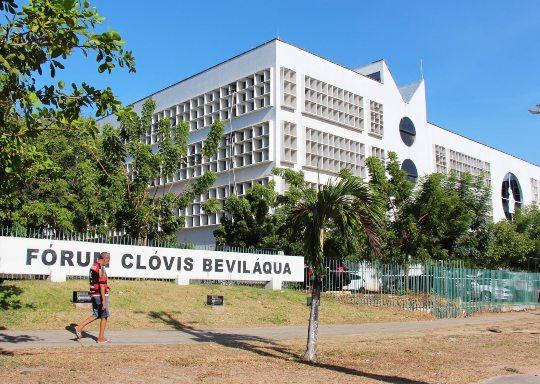 Intervenções em conjunto visam requalificar e padronizar entorno do Fórum Clóvis Beviláqua