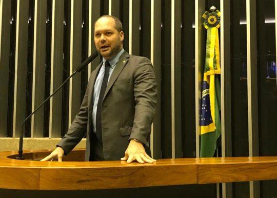 Heitor Freire obtém R$ 5 milhões em emendas para a saúde