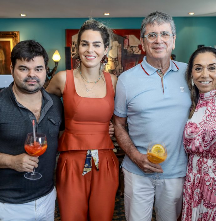 Igor, Amanda, Marcio E Marcia Tavora
