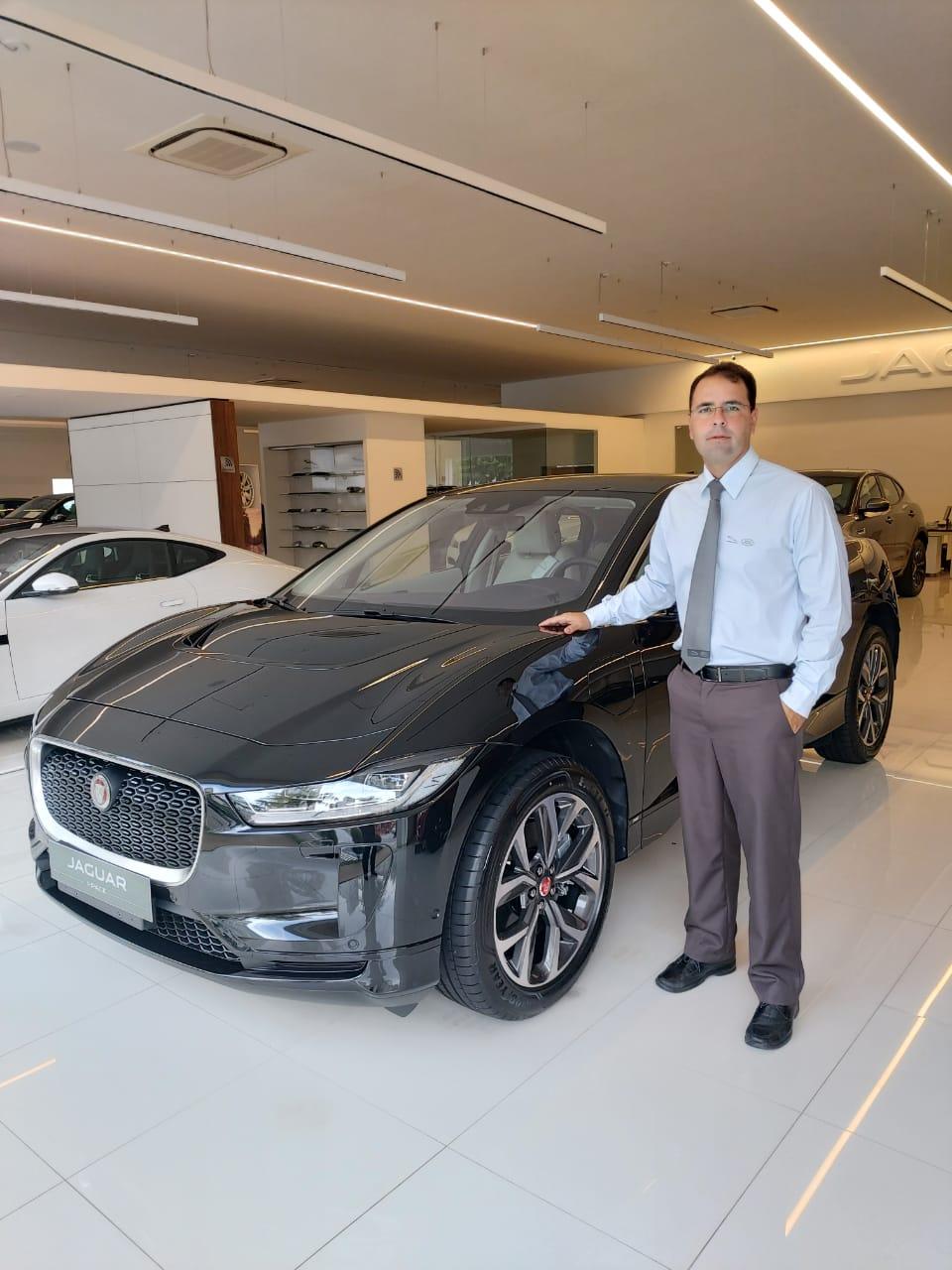 Já na concessionária Extrema, Jaguar I-PACE ganha selo de eficiência energética