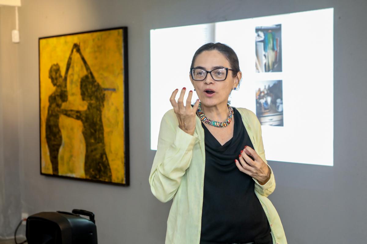 Izabel Gurgel pilota roda de conversa sobre Frida Kahlo na Galeria Mariana Furlani