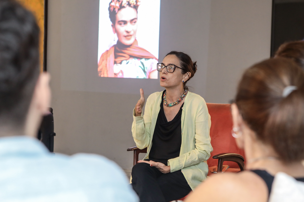 Galeria Mariana Furlani promove encontro virtual sobre Frida Kahlo, comandado por Izabel Gurgel