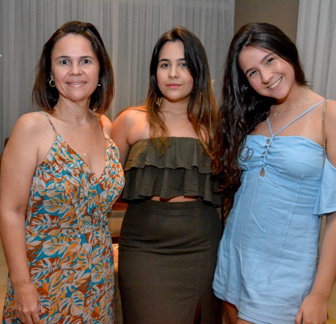 Jane, Lise E Hanna Borges
