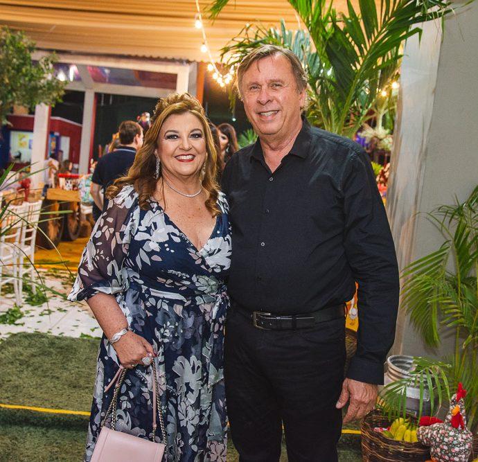 Jaqueline E Jose Simoes