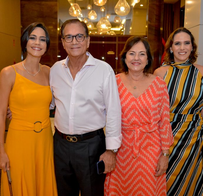 Karine, Beto E Ana Maria Studart E Renata Santos