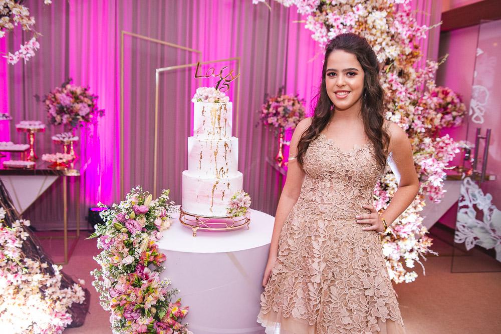 Ricardo e Adriana Cabral celebram os 15 anos da herdeira Laís