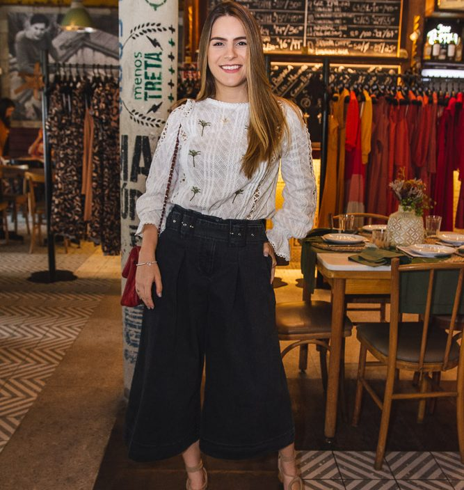 Lara Linhares