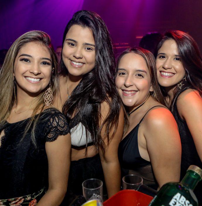 Lara Saraiva, Vitoria Ferreira, Mariana Cardoso E Leticia Morais