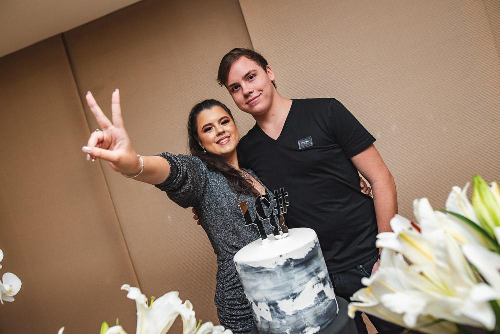Baladinha animada marca os 18 anos de Letícia e Luiz Cidrão